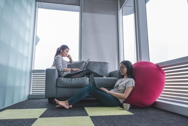 Płytki dywanowe – alternatywa dla wykładziny